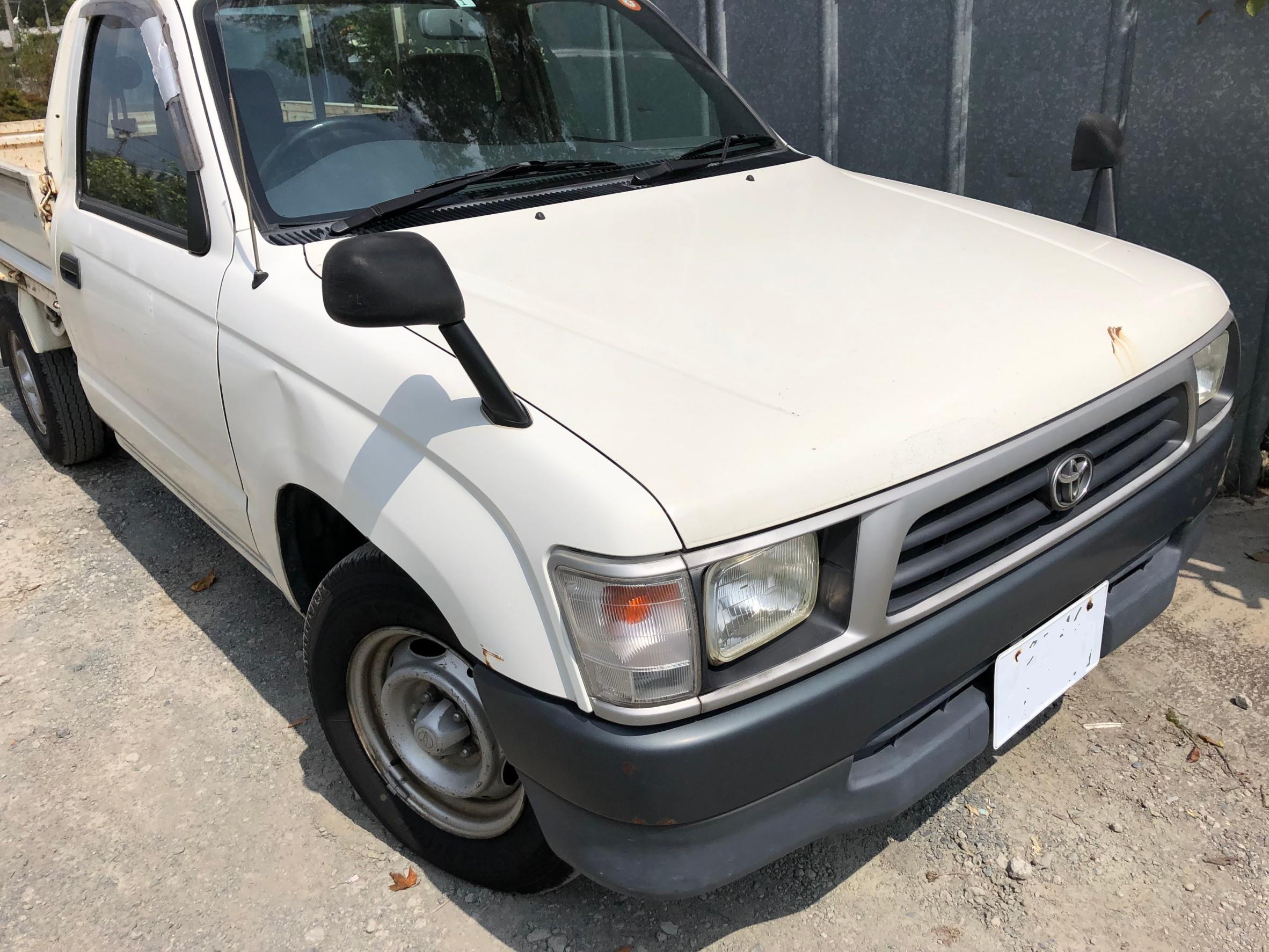 古い車 ハイラックス 東京